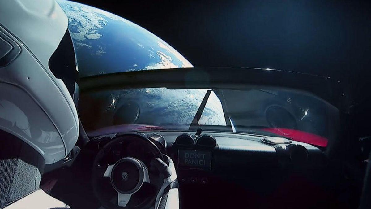 os-ae-spacex-falcon-heavy-elon-musk-starman-tesla-one-year-20190206-1612690589.jpg